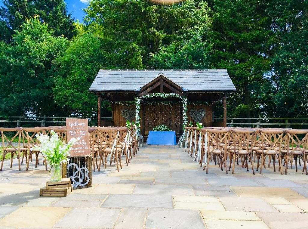 Outdoor wedding decorations supplied by Tracy Williamson Design