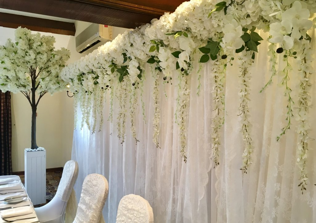 Image of Flower Wall Supplied by Tracy Williamson Design